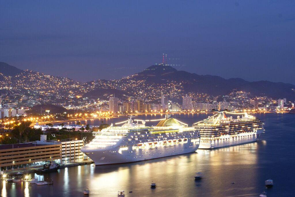 Destinations Acapulco Puerto Vallarta Yachts6