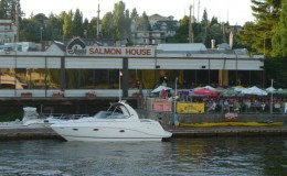 lake union restaraunts docks