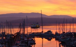 sunrise_ferry_at_friday_harbor
